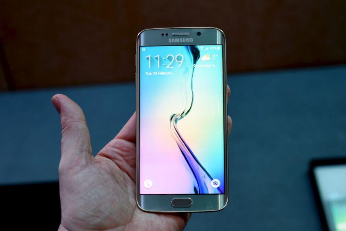 Cámara frontal de 5 megapíxeles Foto:Samsung