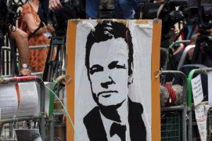 Julian Assange acusó a Stratfort de realizar espionaje a organizaciones civiles y de utilizar a informartes del gobierno estadounidense Foto:Getty Images
