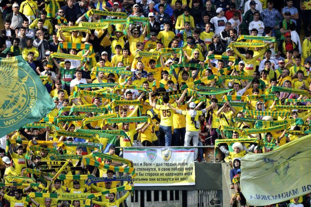 Algunos medios aseguraron que el fracaso del Anzhi fue una grave división en el vestidor, mientras que otros aseguran que esto fue causado por problemas económicos de Kerimov. Foto:Getty Images