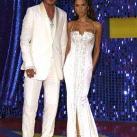 """Aunque ahora, David es el ídolo de millones, cuando conoció a Victoria Adams la famosa era ella. Victoria era una estrella junto con sus compañeras del grupo de pop de los 90, """"Spice Girls"""", y el joven futbolista no era tan conocido. Foto:Getty Images"""