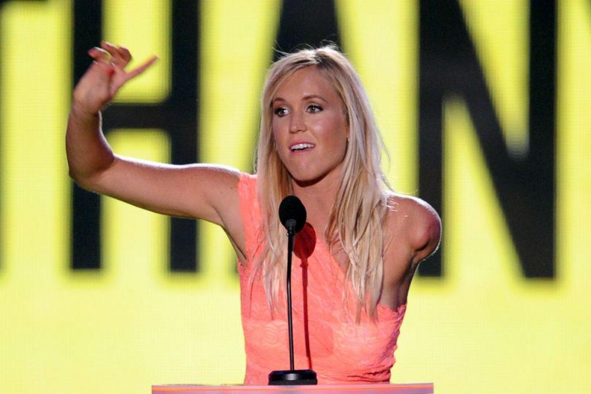 17. Bethany Hamilton. La surfista y oradora motivacional mantiene conferencias para las personas que han perdido extremidades Foto:Getty Images