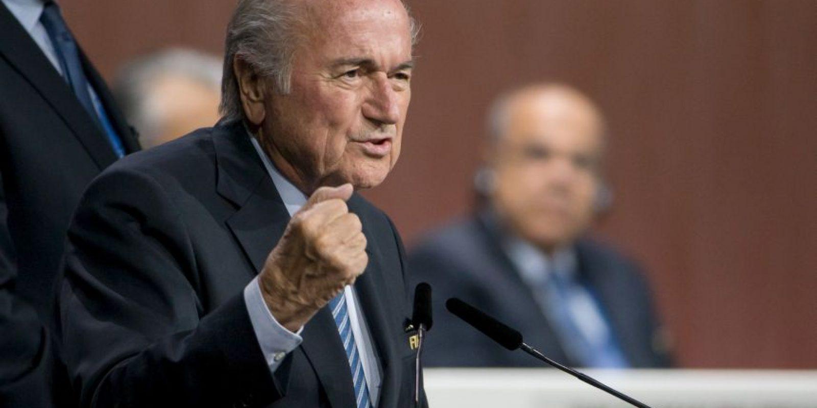 """Además, insinuó que esta será su última reelección pues habló de dejarle una """"FIFA más fuerte"""" a su sucesor. Foto:Getty Images"""