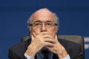 Blatter indicó que seguirá al frente del FIFA hasta que se designe a un nuevo presidente en unas elecciones que se darían entre diciembre y marzo próximos. Foto:Getty Images