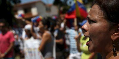 De cinco mil a tres mil bolívares, unos 5 dólares de acuerdo al precio de transacción de la divisa estadounidense en el mercado negro en Venezuela.. Foto:Getty Images