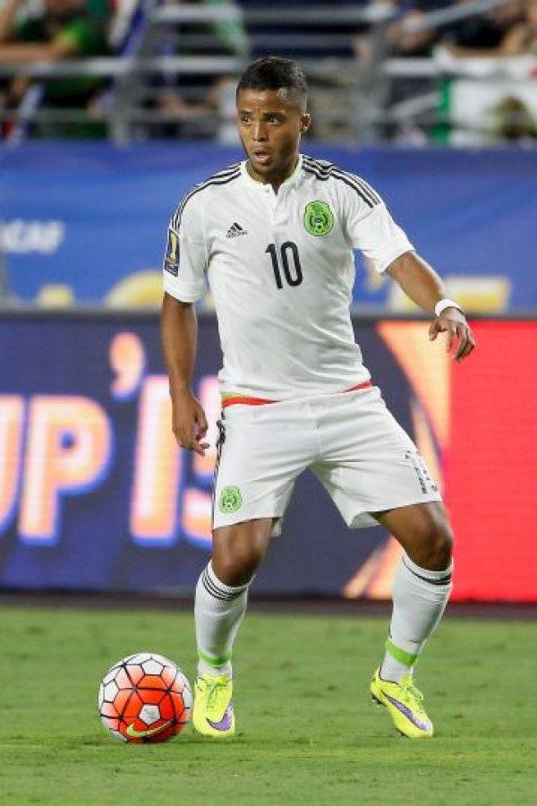 """Es hijo del exfutbolista brasileño Zizinho dos Santos, pero nació en Monterrey y su madre es mexicana, por lo que posee ambas nacionalidades, además de la española. """"Gio"""" decidió representar a México, desde las selecciones menores. Foto:Getty Images"""