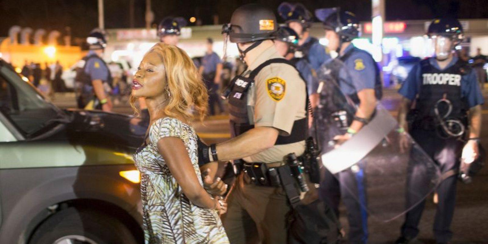 Dicho medio detalló que las autoridades no emplearon balas de goma ni gases lacrimógenos como el año pasado. Foto:Getty Images