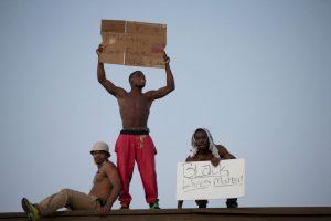 La noche del lunes se registraron al menos dos balaceras. Foto:Getty Images
