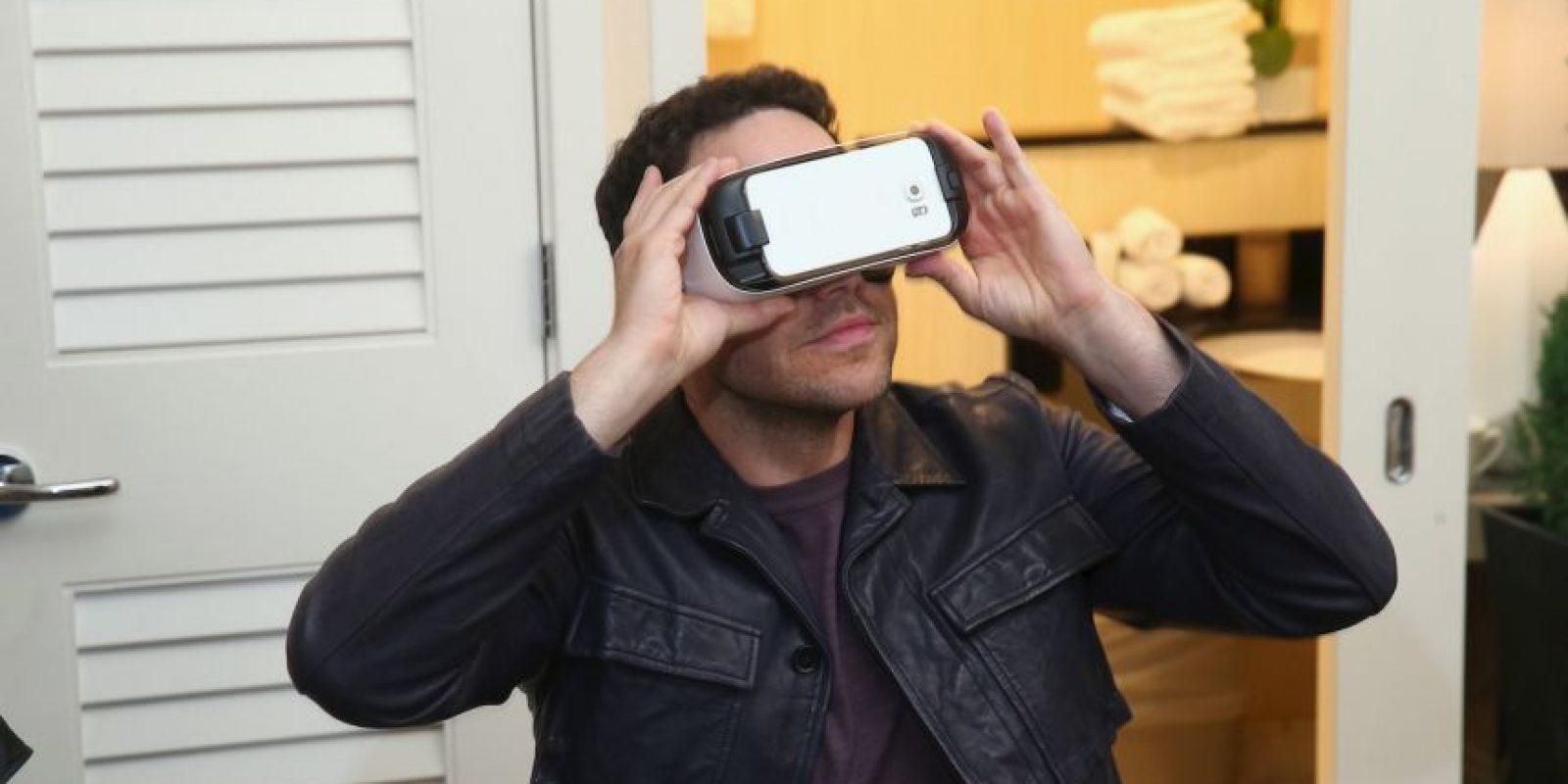 Por lo que los sistentes tuvieron la oportunidad de probar los distintos dispositivos de esta gama Foto:Getty Images
