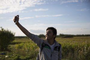 Algunos documentan su llegada con un selfie Foto:Getty Images