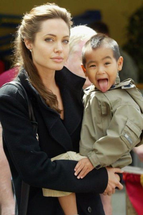 """La actriz comenzó a interesarse en la pobreza mundial a raíz del rodaje de """"Tom Raider"""". Foto:Getty Images"""