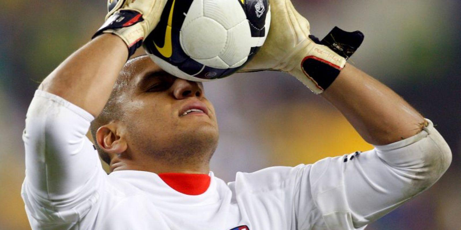 Fue el arquero que más atajadas realizó en 2011, con 24. Foto:Getty Images