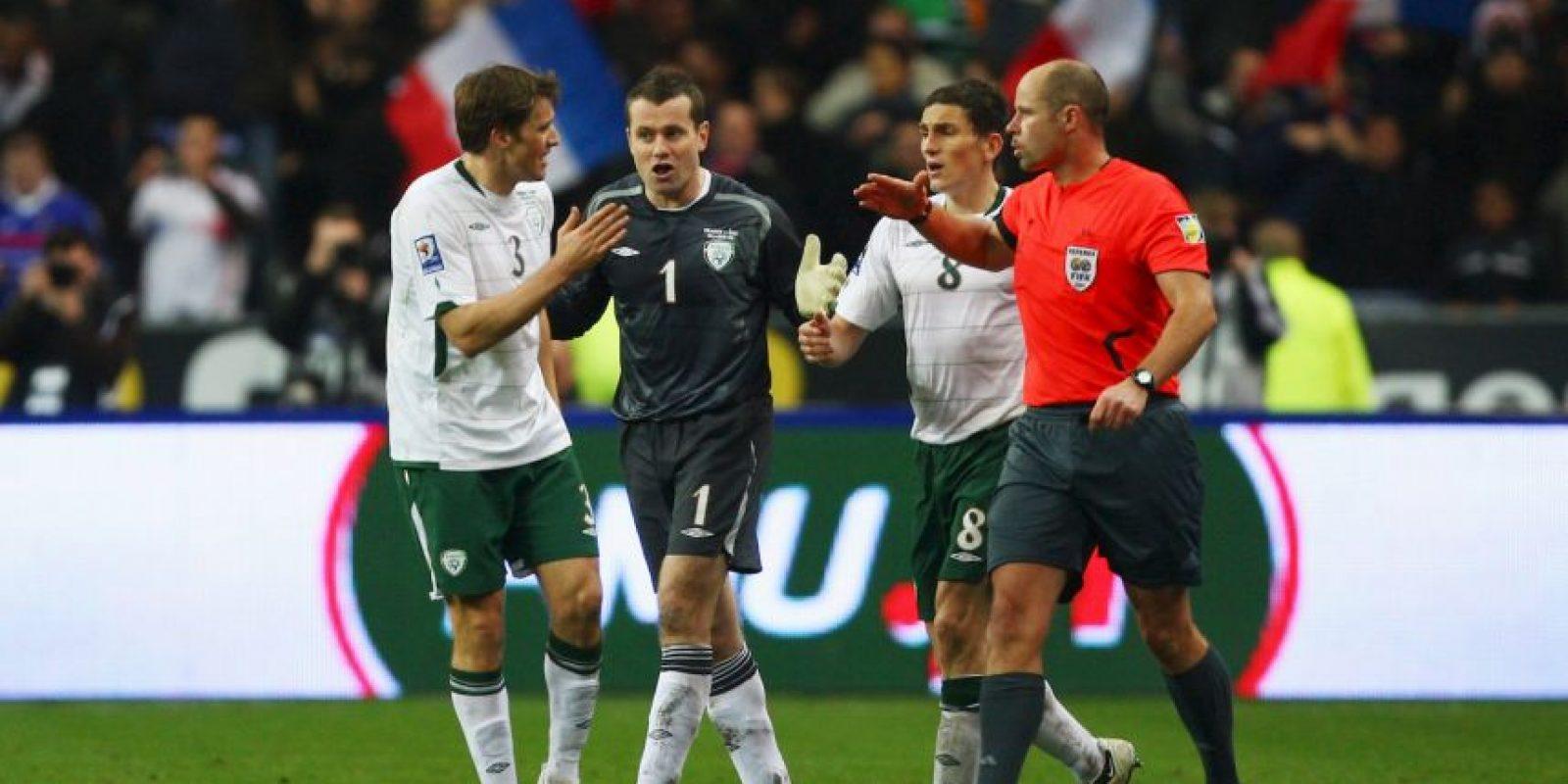 El problema fue que la asistencia para este tanto fue dada por Thierry Henry… con la mano. Foto:Getty Images