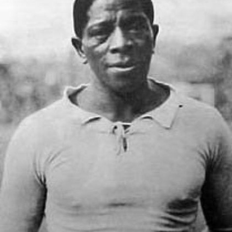 El primer goleador del torneo fue el uruguayo Isabelino Gradín. No sólo era futbolista, también corría 400 metros planos y ganó 5 medallas en competencias sudamericanas. Foto:Wikimedia