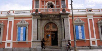 Tribunal actualiza nómina de candidatos que están fuera de la contienda