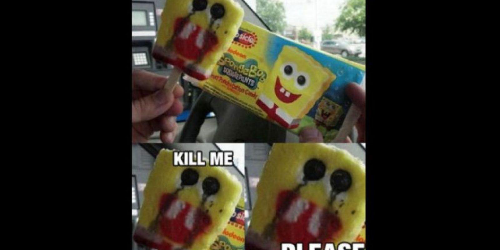 Luego el sitio FunnyJunk popularizó la imagen con cajas de cartón. Foto:vía QuickMeme