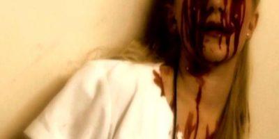"""Bloody Mary: así se llama """"la hija de Satanás"""" en inglés. Dicen que para invocarla ustedes tienen que situarse al frente de un espejo y decir tres veces """"Verónica"""" o """"Bloody Mary"""". De inmediato, se les aparecerá una horrorosa mujer que los matará con lo que tenga a la mano. Dicen que ustedes pueden morir con los ojos arrancados y la cara desgarrada, o desaparecer con el fantasma para siempre. Foto:vía Dread Central"""