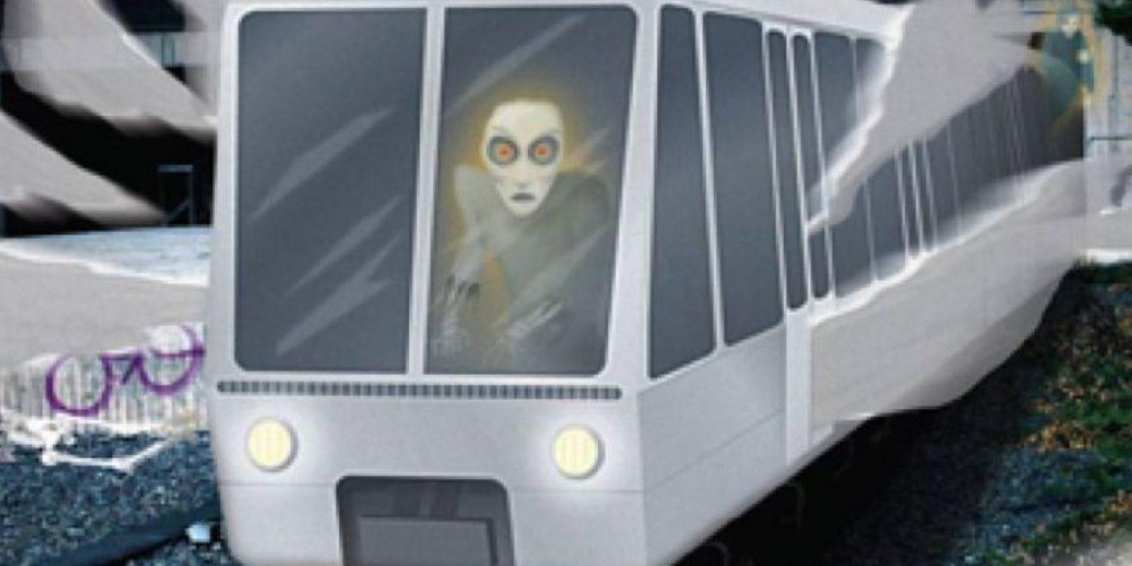 El pasajero fantasma del Metro: una mujer se sube a un vagón del Metro a altas horas de la noche. Hay otras tres personas. Uno de los pasajeros es mujer y mira fijamente a la que se acaba de subir. La mira de forma extraña. Entonces, otro de los pasajeros le dice a la aludida que se baje con él si quiere vivir. Esta lo hace. Quien le ha aconsejado, le dice que la mujer que estaba mirándola así estaba muerta. Foto:vía Wikia
