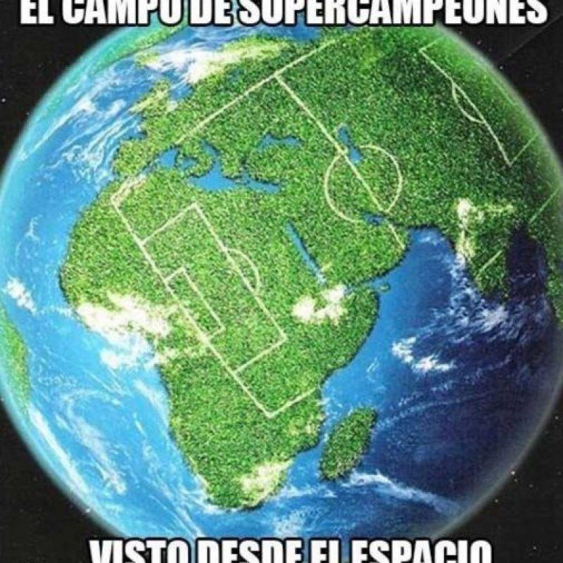 """1. La cancha de """"Los Supercampeones"""". Foto:vía Quickmeme"""