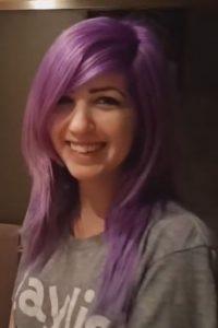 ¿Púrpura, morado, azul, lila o rosa? Foto:Vía Youtube/ Sabrina