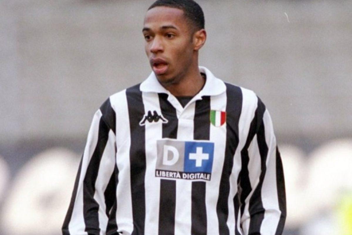 El francés Thierry Henry vistió los colores de la Juve en la temporada 1998-99 Foto:AFP