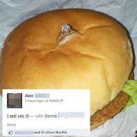 Nada más tierno que recibir el anillo en la hamburguesa Foto:Tumblr.com/tagged/anillo/gracioso