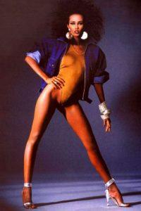 Yves Saint Laurent la vio como su musa perfecta. Foto:vía Vogue