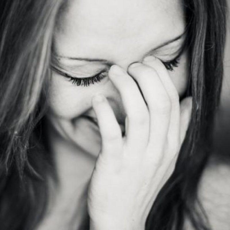 Mientras reímos a carcajadas, nuestro cuerpo busca estabilizar esa emoción, ya que es muy fuerte, por lo que decide equilibrarla con la sensación contraria. Foto:Tumblr.com/tagged/llorar/risa