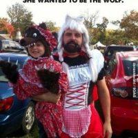 """Ella quería ser el """"Lobo"""" y él fue Caperucita. Foto:vía imgur"""