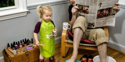 El que juega con su hija. Foto:vía imgur