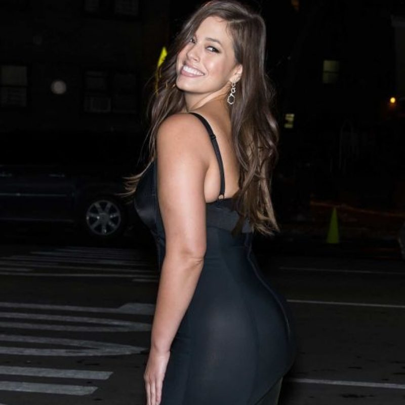 "Pero ella se creía ""gorda y fea"": Foto: vía Facebook/Ashley Graham"