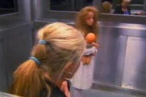 ¿Recuerdan a la niña fantasma en el ascensor? Foto:Vía Youtube