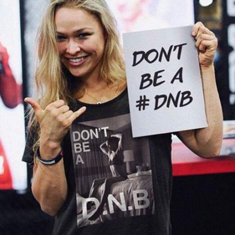 En 2012 se unió a la UFC y compite en la categoría de Peso Gallos de Mujeres, de la cual es la vigente campeona invicta. Foto:Vía instagram.com/rondarousey