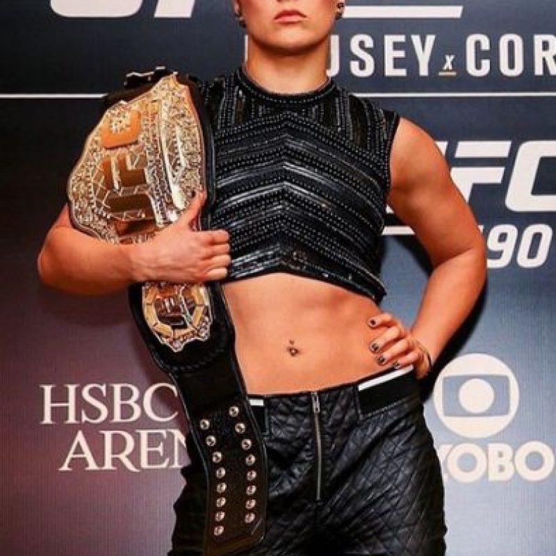 De 28 años, Ronda Rousey es considerada hoy la mejor peleadora de artes marciales mixtas libra por libra. Foto:Vía instagram.com/rondarousey