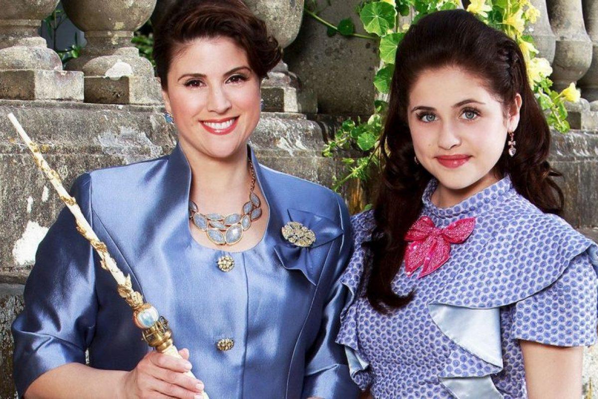 Jane es la hija tímida e insegura del Hada Madrina. Le fascina la magia, ¡aunque su madre no le deje usarla! Foto:Vía losdescendientes.disney.es/