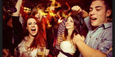 6.- Aún pueden beber y disfrutar de la fiesta (quizás no de la misma manera que cuando tenían veinte, pero algo es algo) Foto:Wikicommons
