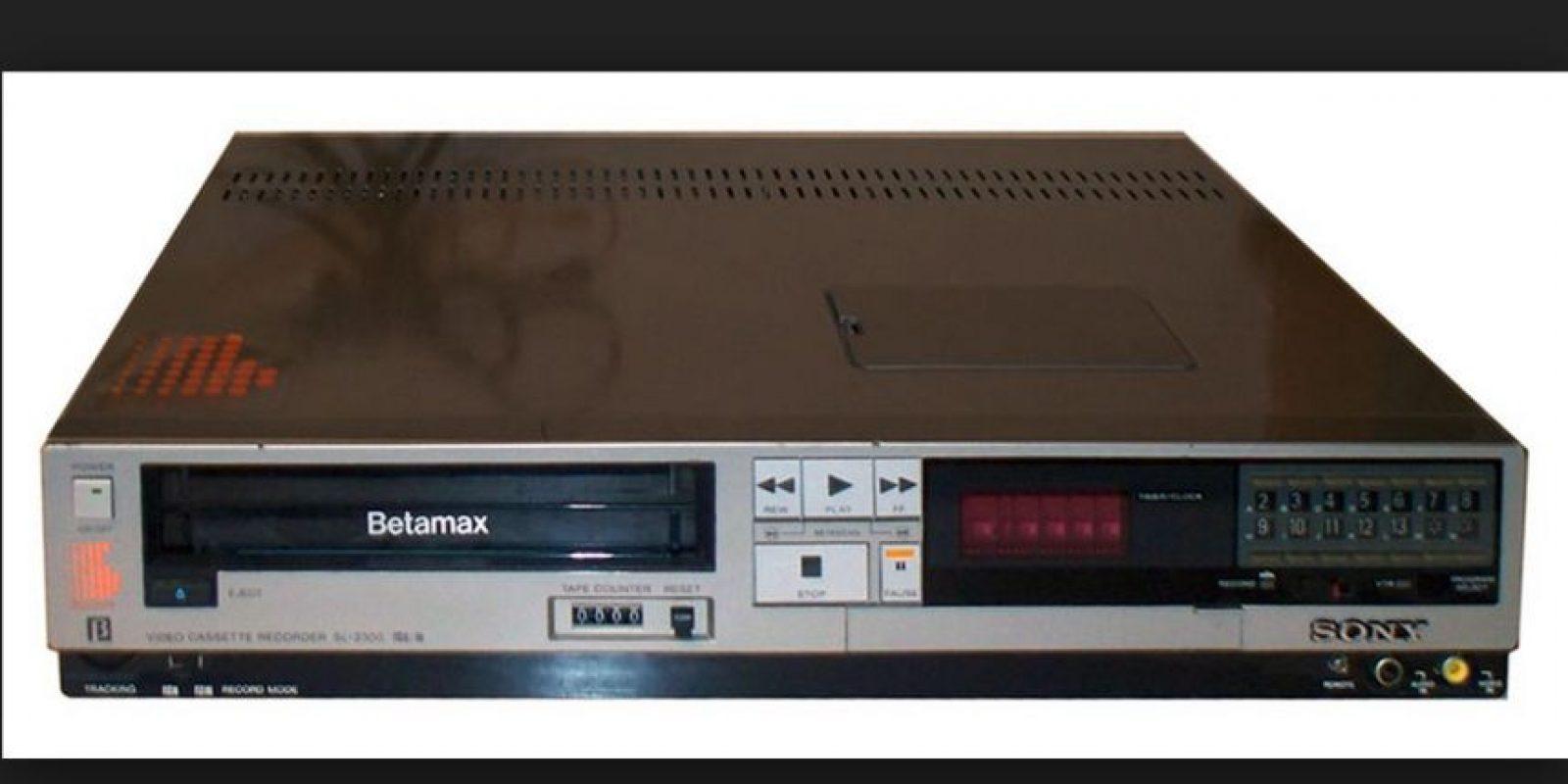 Este reproductor de video en realidad no fue un fracaso, pero tuvo una corta vida por el rápido desarrollo de otros formatos de video en cinta como el VHS Foto:Sony