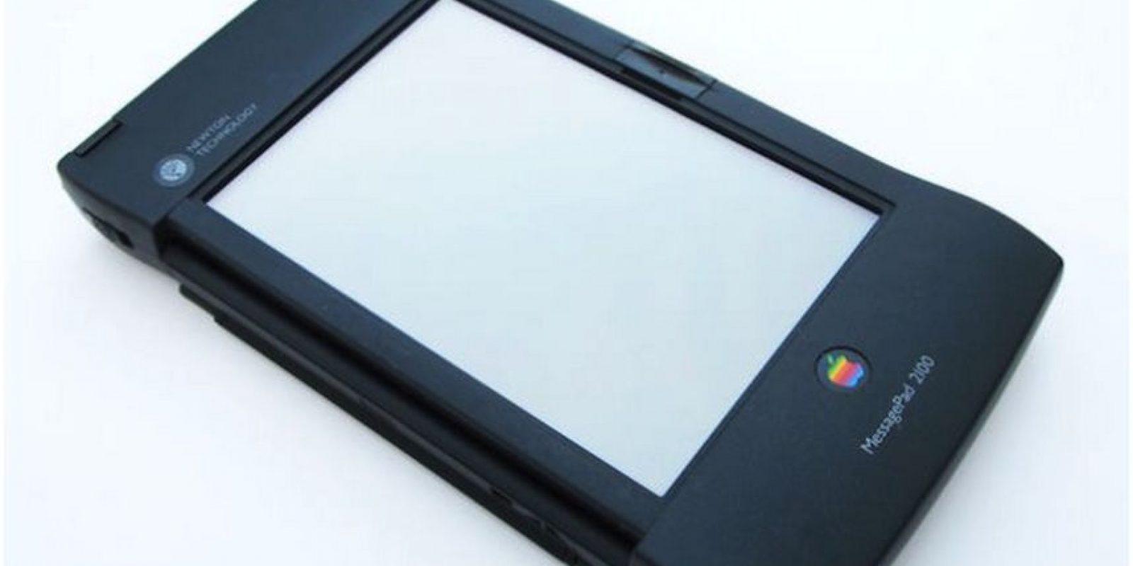 Newton, el antecedente del iPhone y iPad, no tuvo el recibimiento esperado ya que su tamaño y precio exageradamente grandes Foto:Apple
