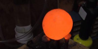 Aún con tres de estas esferas, algunos circuitos quedaron intactos Foto:carsandwater