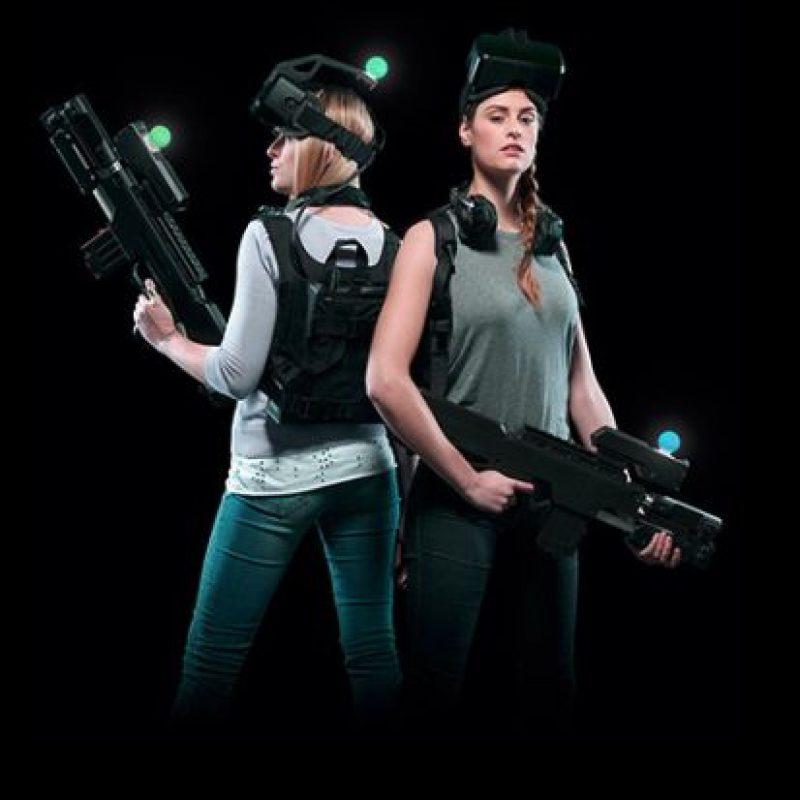 El equipo que complementa la experiencia es una mochila, una pistola y audífonos personales Foto:www.zerolatencyvr.com