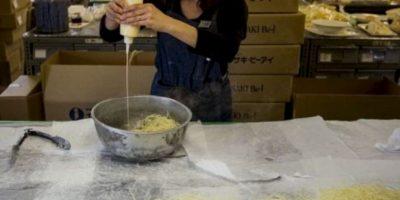 El cocinero de un restaurante ubicado en la provincia del norte de Shaanxi, China, fue detenido al ser descubierto que añadía polvo de opio a sus platillos para que los clientes regresaran. Foto:vía Getty Images
