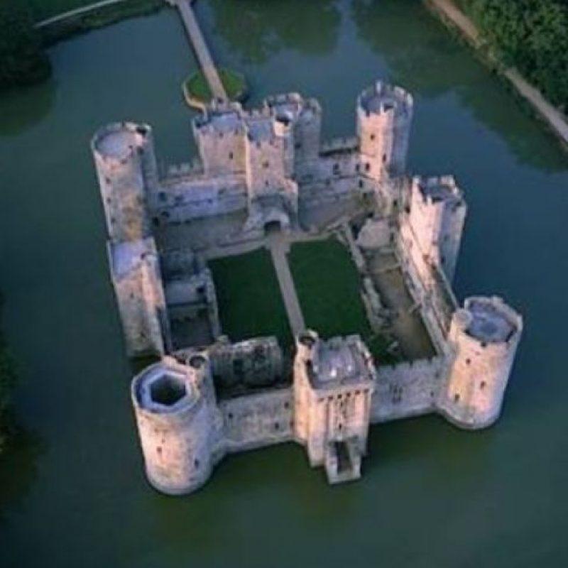 11. Castillo de Bodiam de Inglaterra. Fue construido en 1385. Foto:Wikimedia