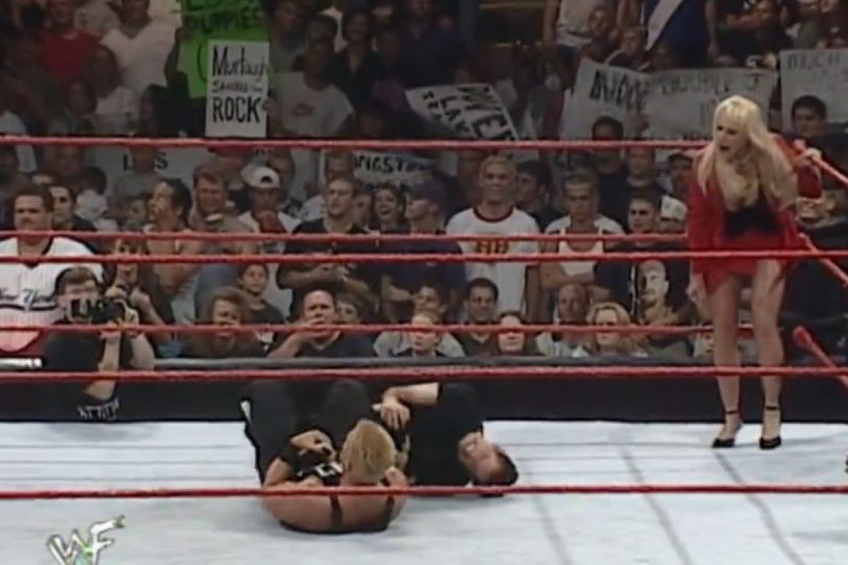 Jeff Jarrett atacó a Ben Stiller, en 1999 Foto:WWE