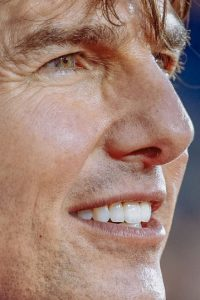 Las arrugas de Tom Cruise. Foto: vía Celebrity Closeup/Tumblr