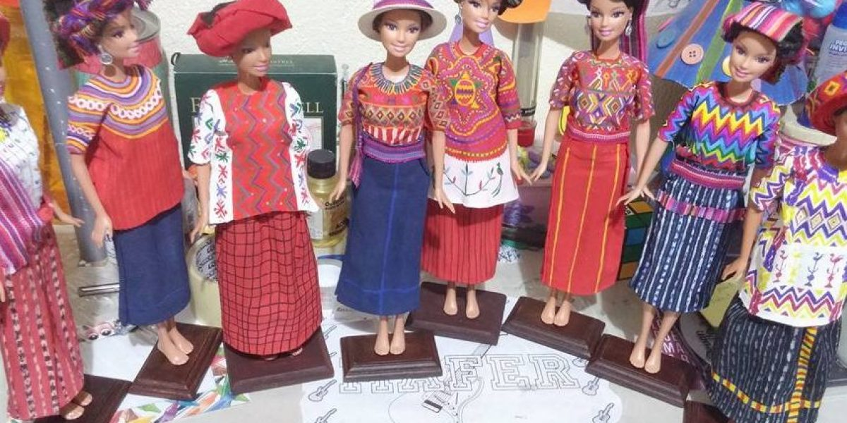 El minucioso arte de las muñecas con vestidos tradicionales de Guatemala
