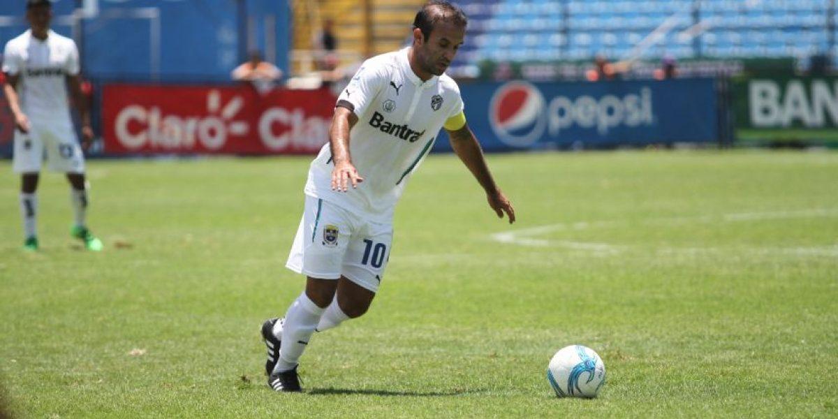 OFICIAL. El campeón Antigua GFC ficha al exreferente de los cremas