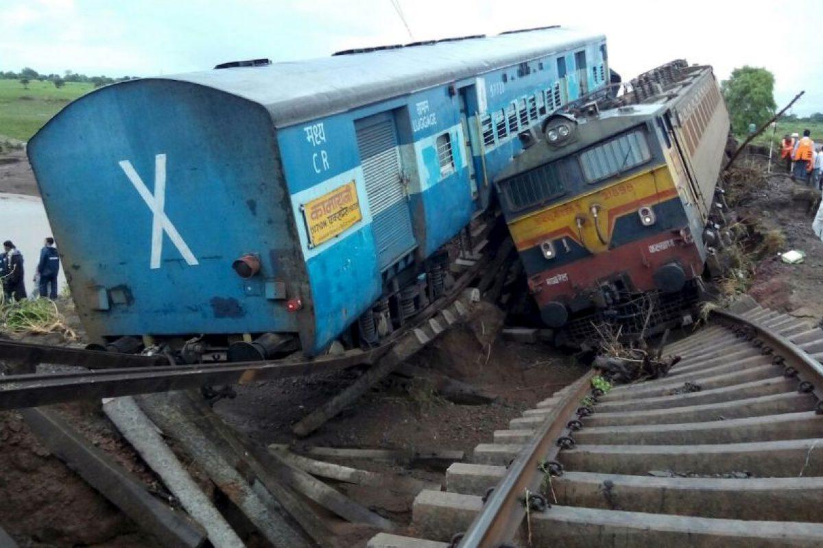 Accidente de trenes en la India. Foto:AFP