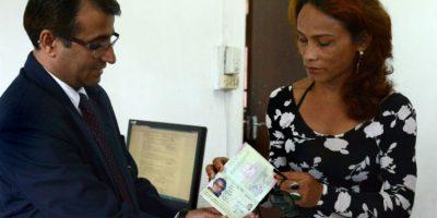 El gobierno de Nepal emitió el primer pasaporte específico para transexuales. Foto:AFP