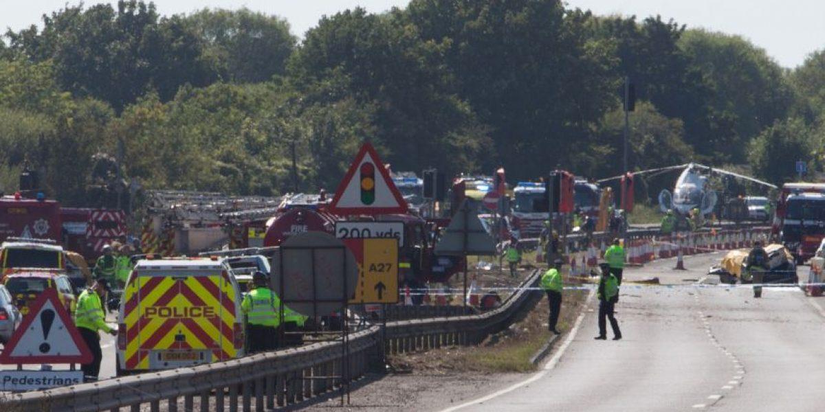 7 muertos tras estrellarse avioneta durante espectáculo aéreo