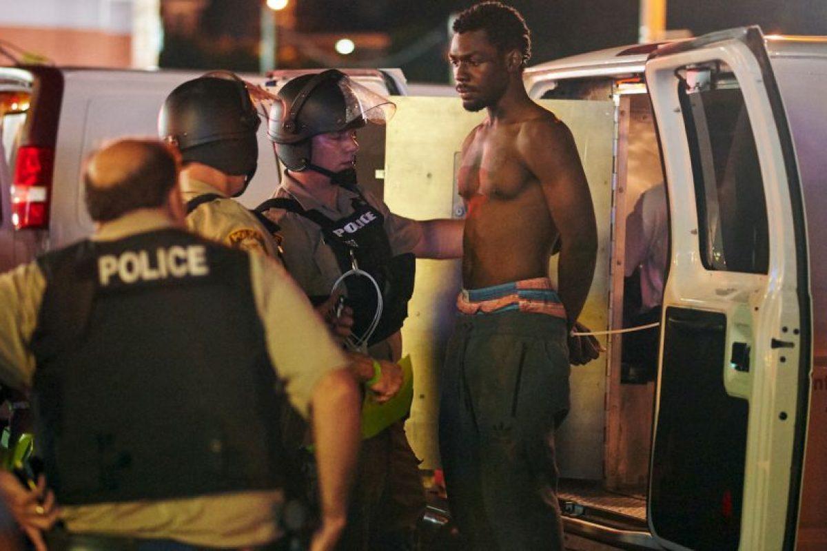 El pasado domingo se realizó una protesta para conmemorar la muerte del joven Michael Brown, quien murió desarmado a manos de un policía. Foto:AFP