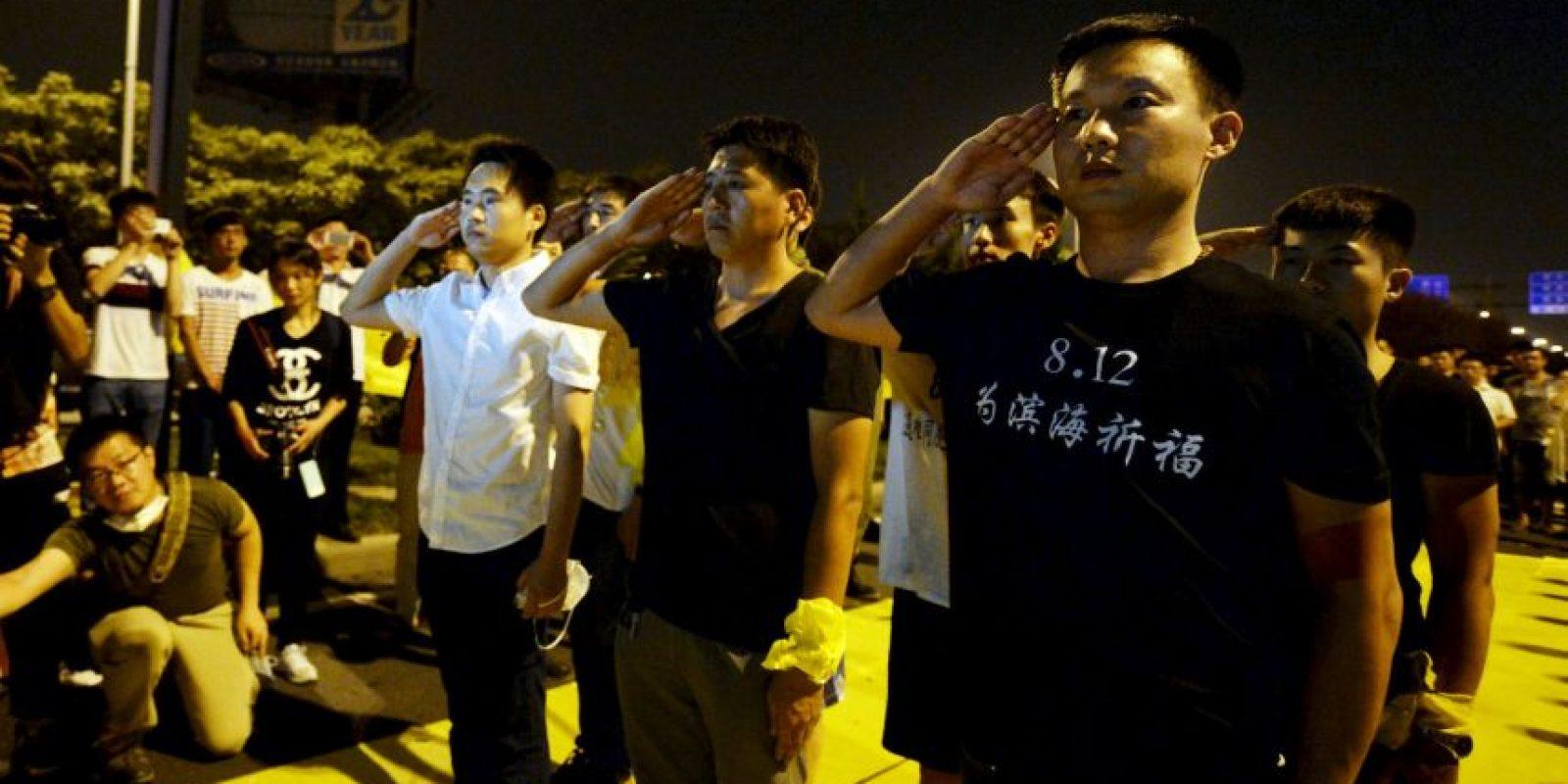 Residentes de la zona hacen una vigila a una semana del ataque Foto:AFP
